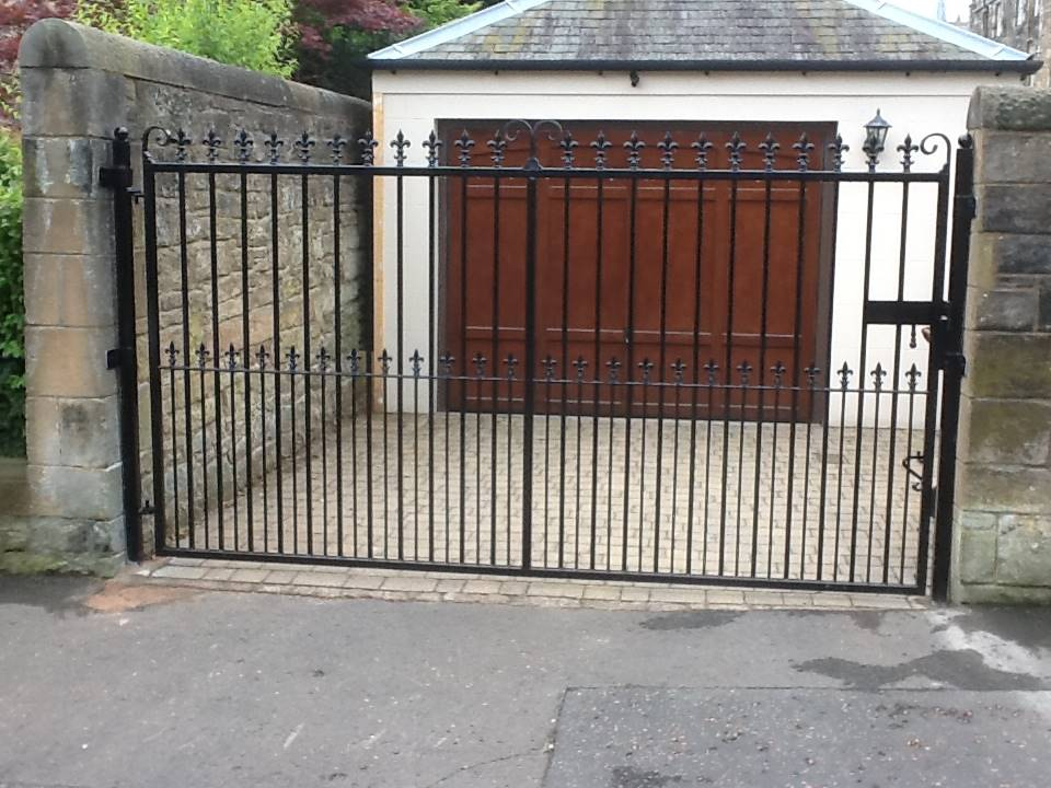 Garage Gates manual dalkeith